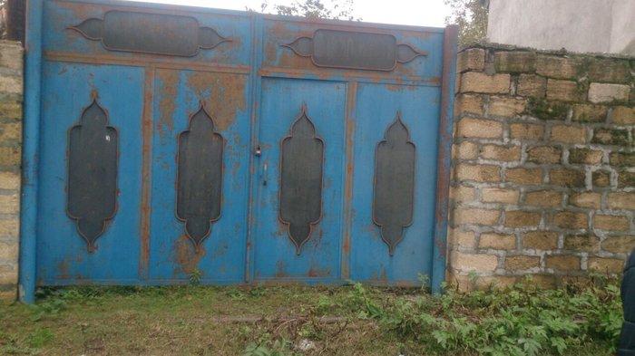 Bakı şəhərində Qebrle rayonu Cuxur qebele kendi 14 sot sahesi olan 2 otagli kohne