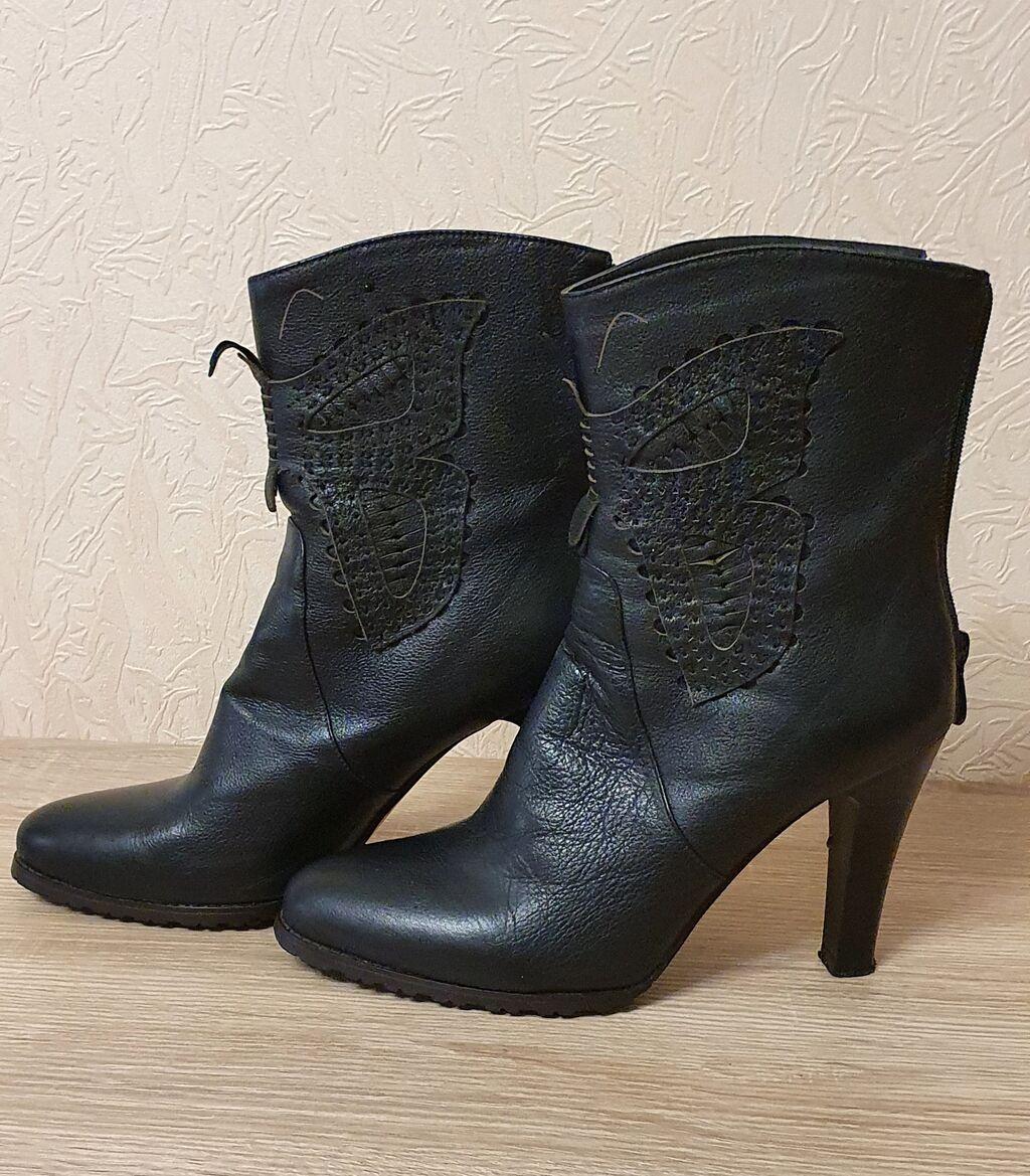 Продаю женские кожаные полусапожки, осенние, 39го размера, в идеальном | Объявление создано 15 Сентябрь 2021 11:25:54: Продаю женские кожаные полусапожки, осенние, 39го размера, в идеальном
