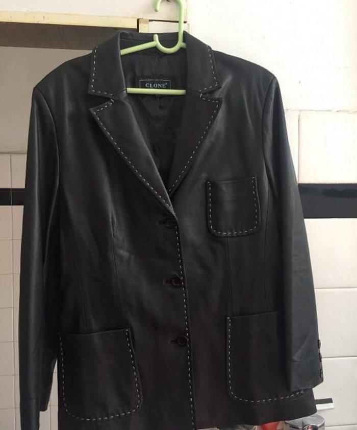 Crna zenska kozna jakna velicina 42 potpuno nova - Nis