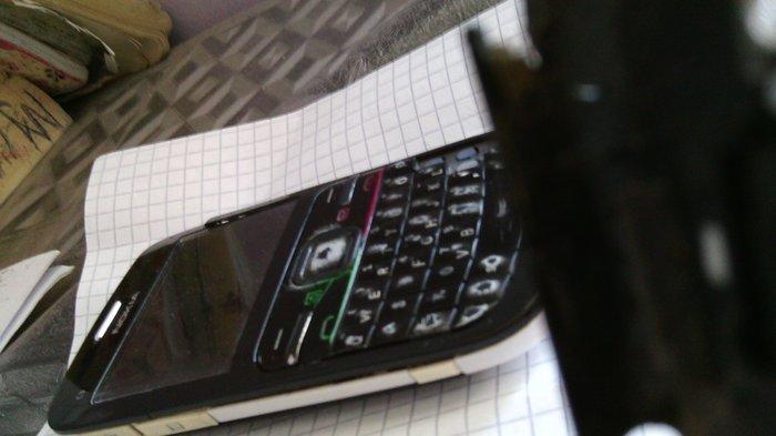 Bakı şəhərində Nokia C3 00 yaxwi veziyetdedi wifi, bluetooth her weyi iwleyir.
