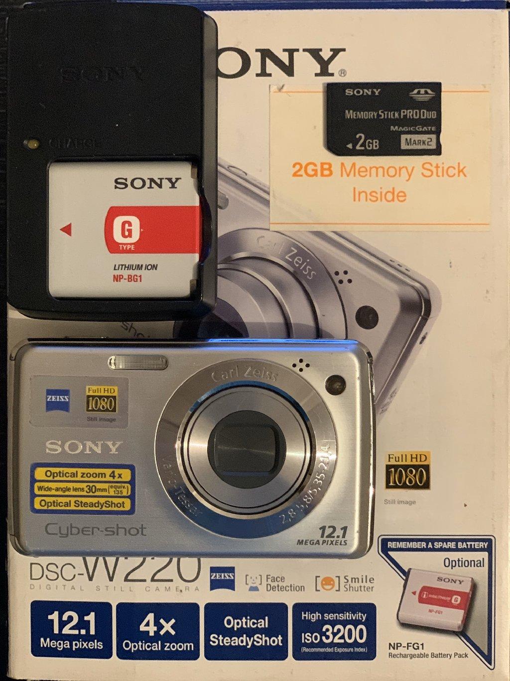 Sony fotoapparat 12,1 mega pixels, ela ve tam iwlek veziyyetde