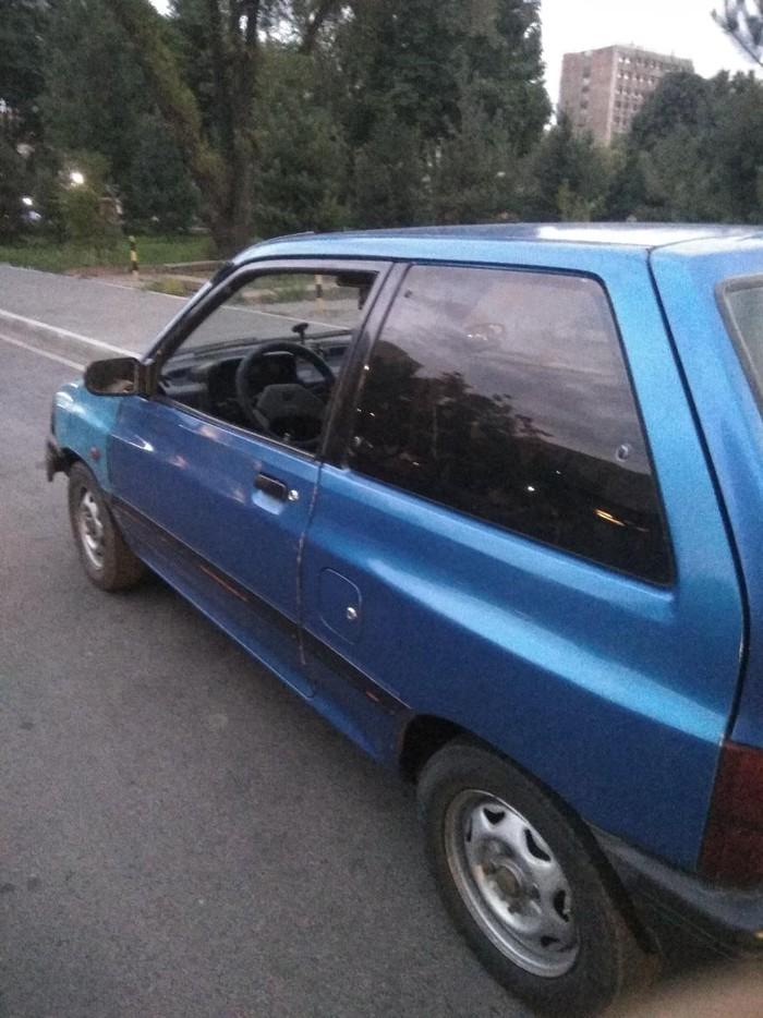 Mazda 121 1990. Photo 3