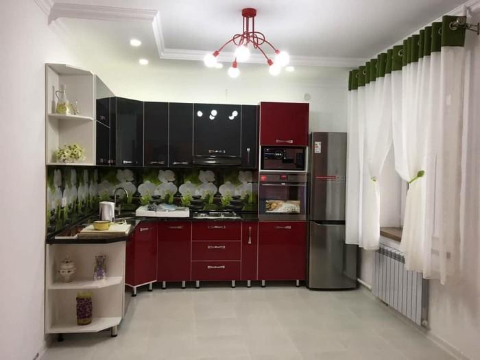 Кухонный гарнитура: Кухонный гарнитура