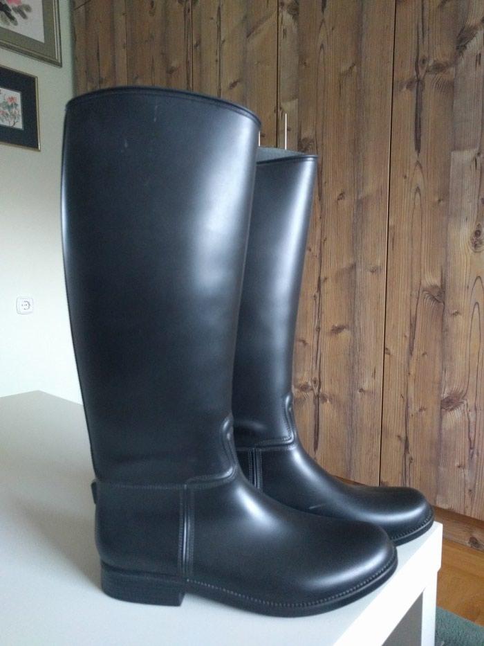 Gumene Italijanske čizme broj 38 crne, nošene jednom. - Palic