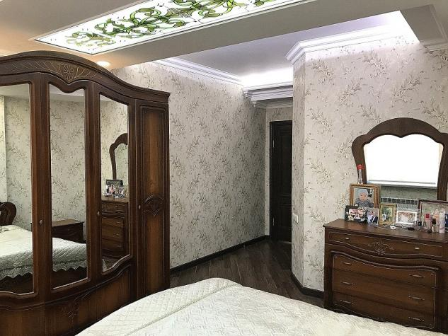 Продается квартира: 4 комнаты, 140 кв. м., Бишкек. Photo 3
