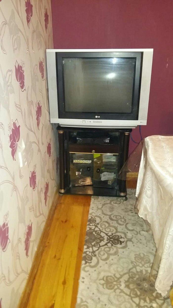 Bakı şəhərində Televizor satilir ela veziyyetdedir altdiqi hediyyedir.tunerde ayrica