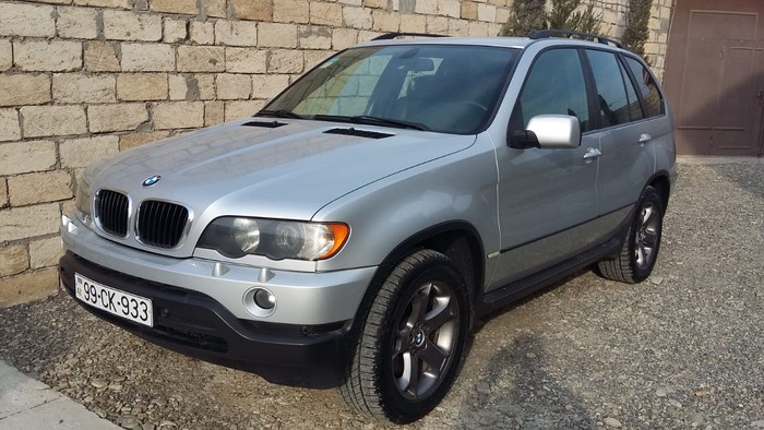 Bakı şəhərində BMW X5 2003