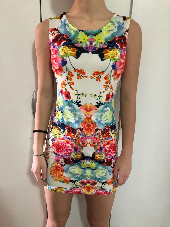 Šarena haljina H& M haljina veličina 38