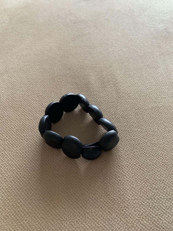 Черный нефритовый браслет,носили меньше года: Черный нефритовый браслет,носили меньше года