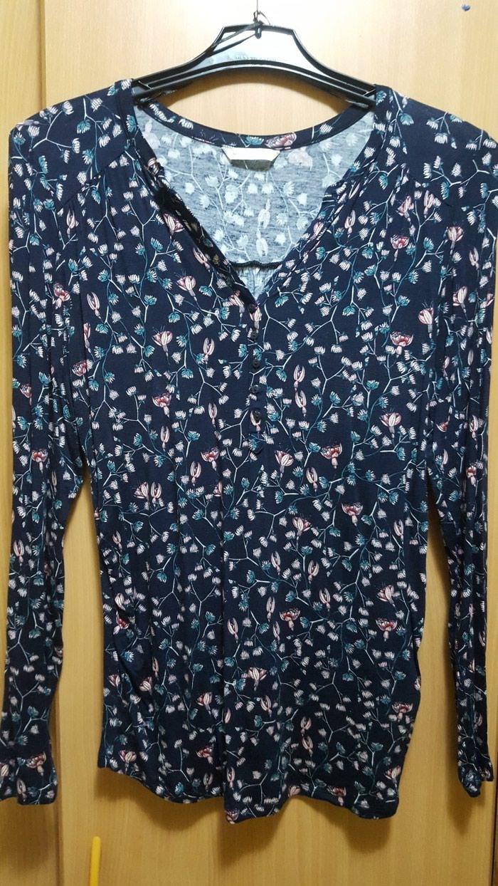 Košulje i bluze - Smederevo: HM kosuljica. Kao nova. Duzina 69cm.  Rukavi 62cm Ramena 43cm