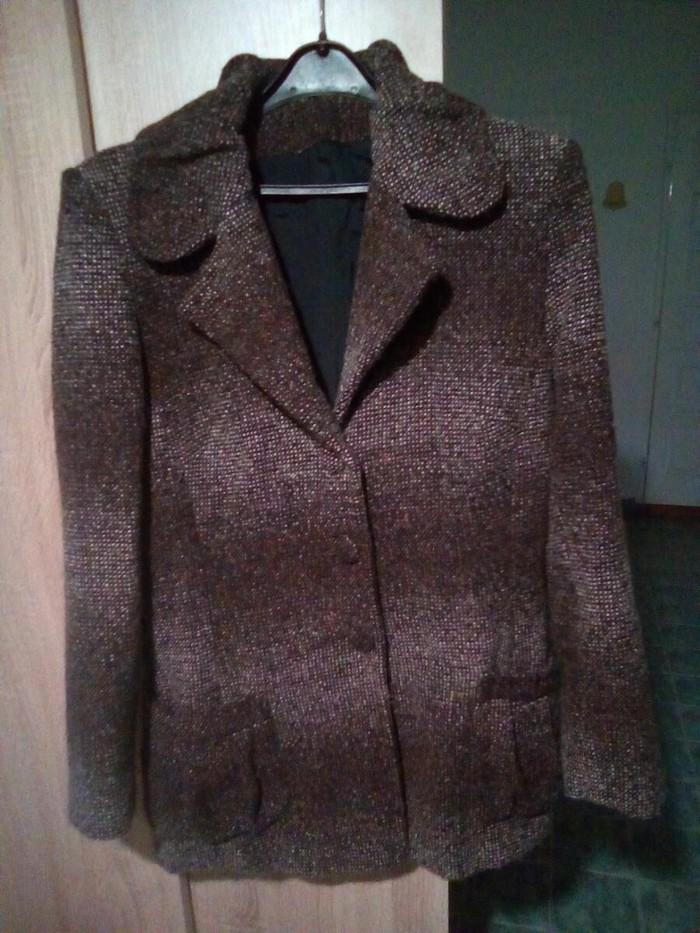 Favorit kraci zenski kaput od vune-odgovara velicini 38-40