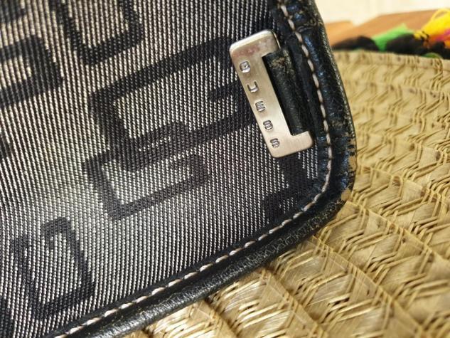 Αυθεντικη τσαντα Guess.Χρησιμοποιημενη σε αριστη κατασταση. Photo 1