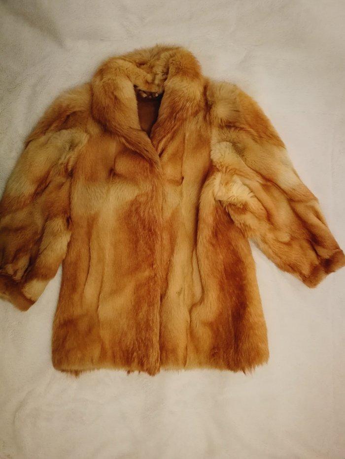 Originalna bunda, polarnog vuka  - savrseno sivena, potpuno - Beograd