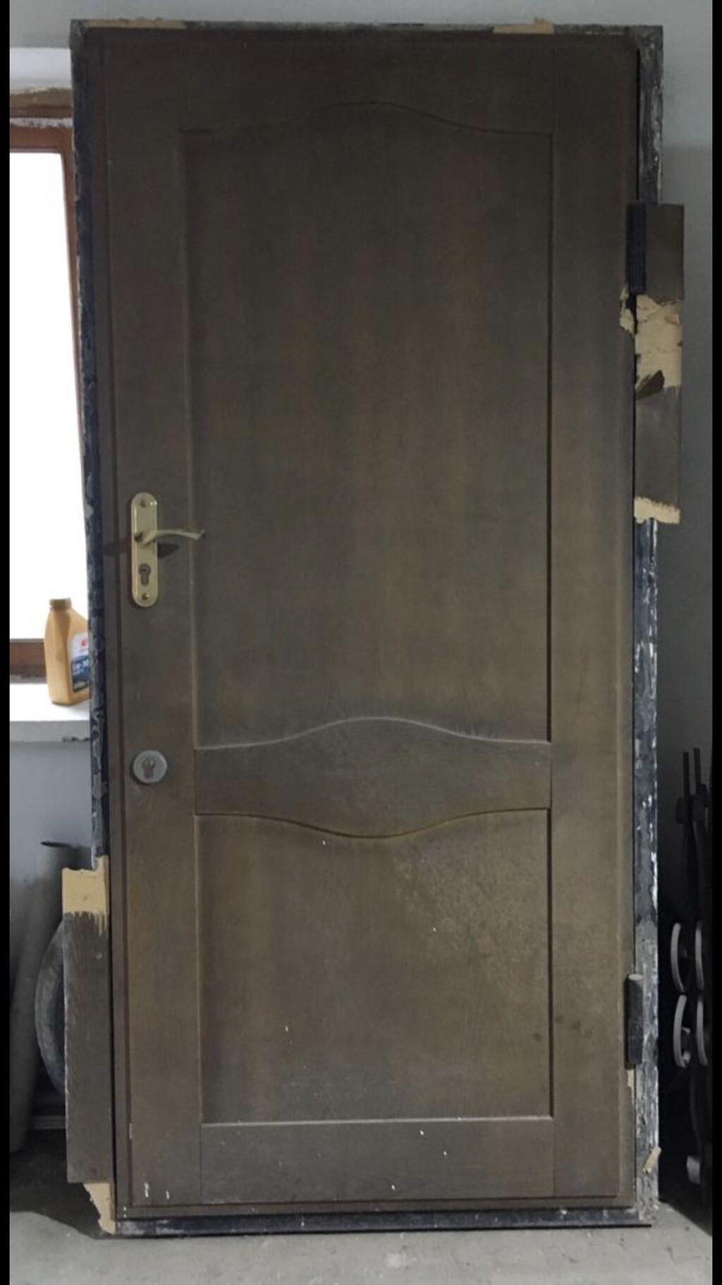 Металлическая дверь бу Размеры: длина 212 Ширина 101