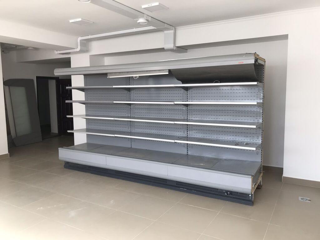 Срочно продаю холодильное оборудование (холодильная горка) для магазинов и маркетов!, Б/У в очень хорошем состоянии! Длина товарной выкладки 3