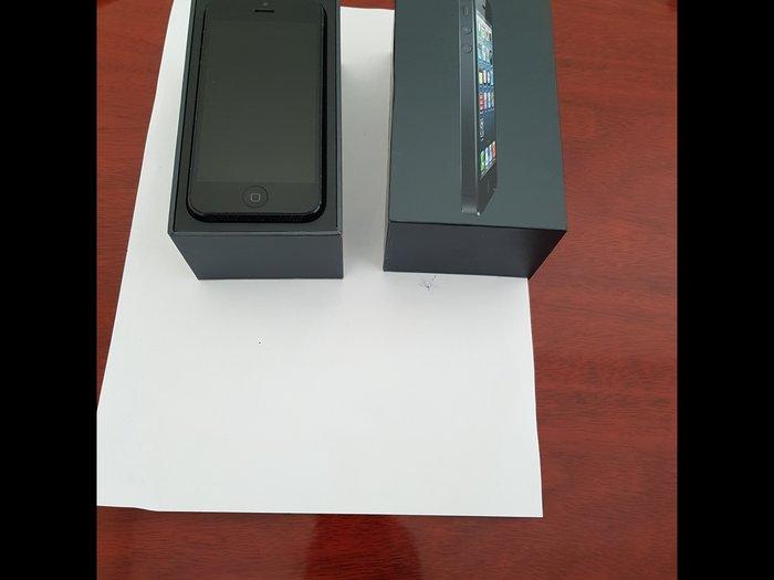 Bakı şəhərində Apple Iphone 5, 3-4 ay işlətmişəm, təzə kimidir, cızığı