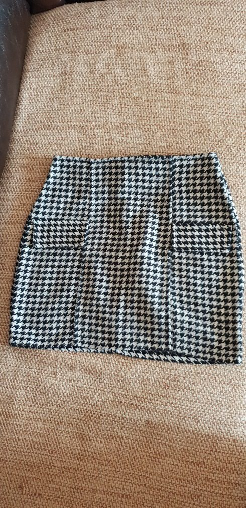 Nova suknja,malo deblja,velicina s/m. Photo 0