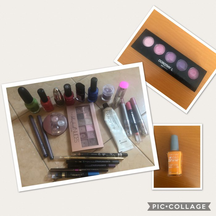 24 items. Photo 0