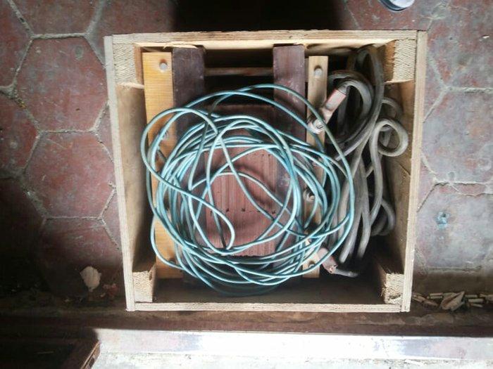 Bakı şəhərində Svarka aparati  yenidir cemi bir defe iwlenib.220 ve 380 voltnan