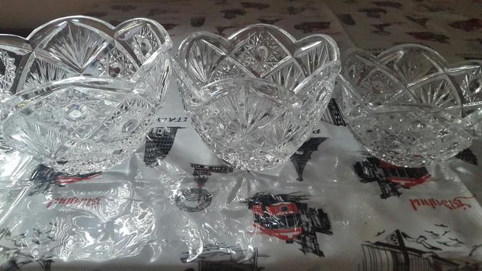 Тройка вазы хрустальные. Чешское стекло прочное. Торг уместен.. Photo 1