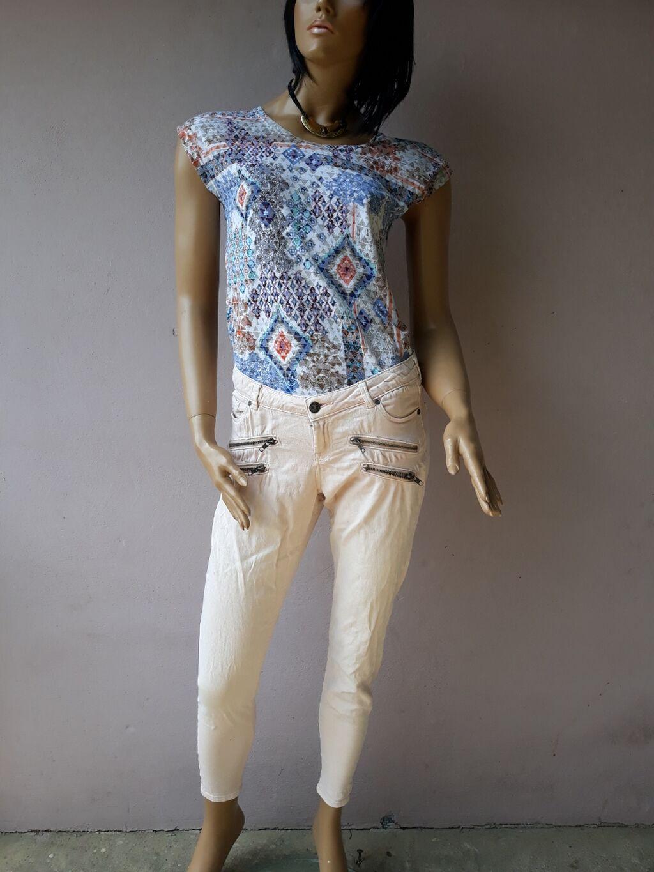 Pantalone Markirane kao nove bez ikakvih ostecenja