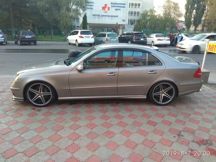 Mercedes-Benz E 320 2003. Photo 0