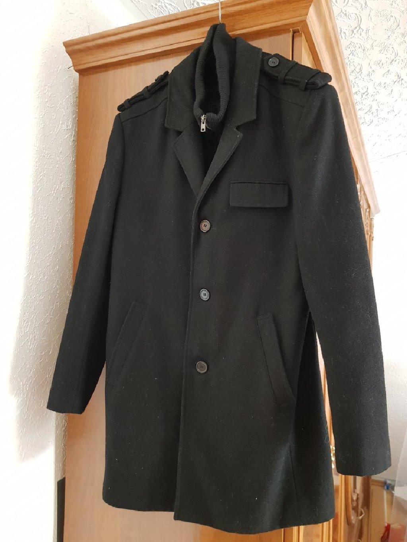 Crni muški kaput nov bez etikete bez oštećenja L veličine