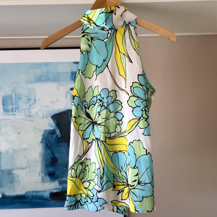 Zara σατέν αμάνικη floral πουκαμίσα με ψηλή. Photo 0
