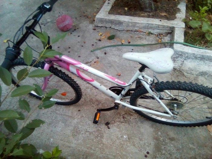 Ποδήλατο γυναικείο 26 ιντσών, 18 ταχυτήτων, καλή κατάσταση.. Photo 3