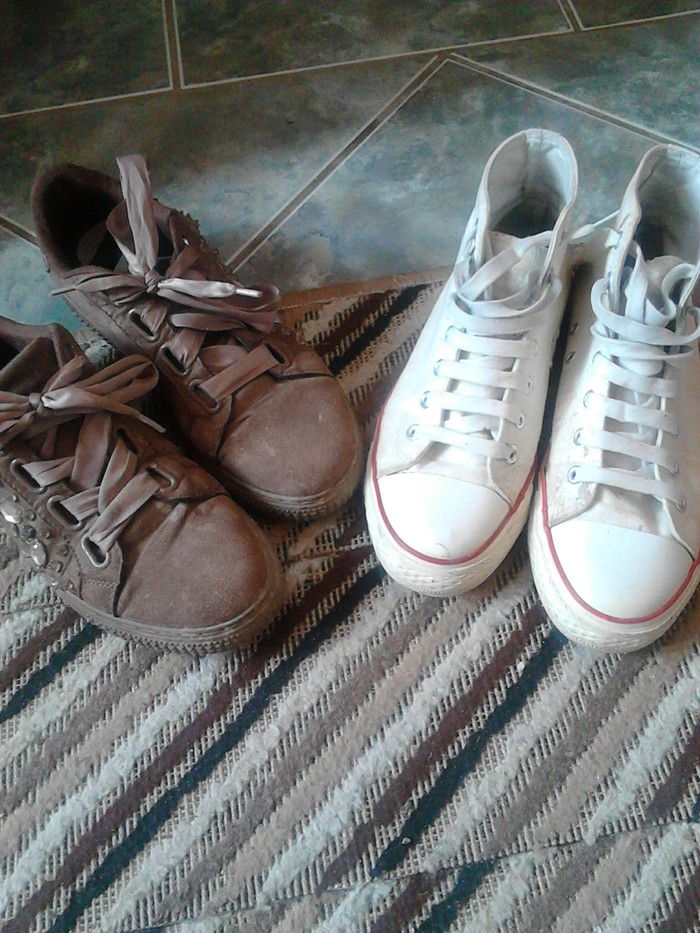 Ženska patike i atletske cipele - Varvarin: Zadnje snixenje patike oba para br 40 cena za oba para