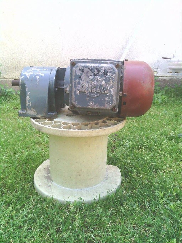 Ostalo - Subotica: Reduktor sa el. motorom 380 v 0.4 kw smanjuje obrtaje na 250 o-min