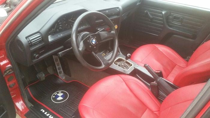 BMW 118 . Photo 5