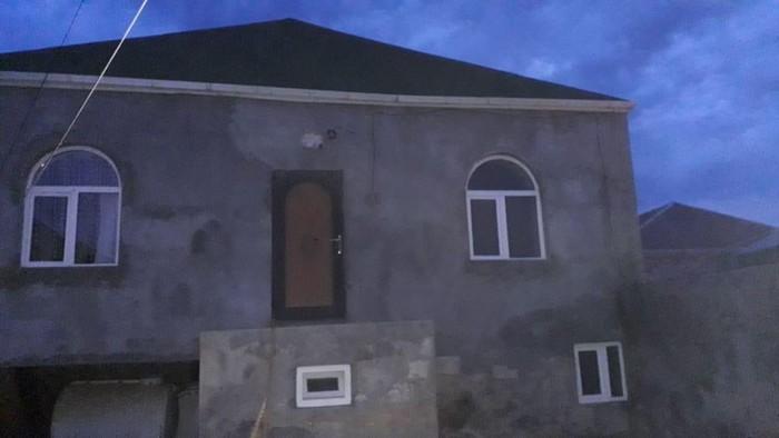 Satış Evlər sahibinin nümayəndəsindən (komissiyasız): 100 kv. m., 3 otaqlı. Photo 0
