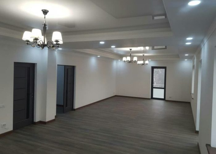 Сдаётся дом! 3х уровнев дом 1000м2 в центре Бишкека!. Photo 3