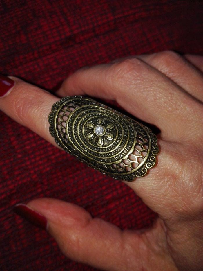 Avon podesiv prsten nov
