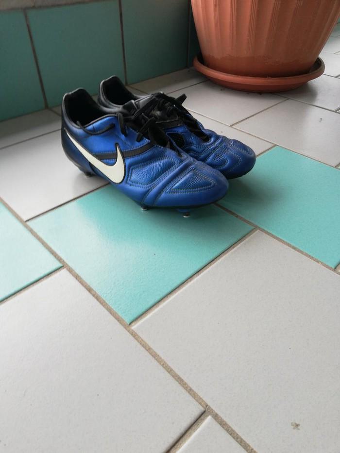 Nike ποδοσφαιρικα παπούτσια  κατάλληλα για μαλακό γήπεδο  38 νούμερο. Photo 1