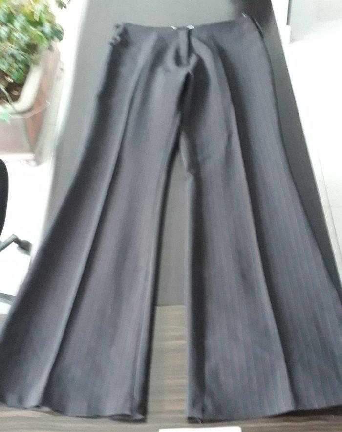 Bakı şəhərində брюки, книзу расклешенные, черные в красную  в полоску, размер 44. цен