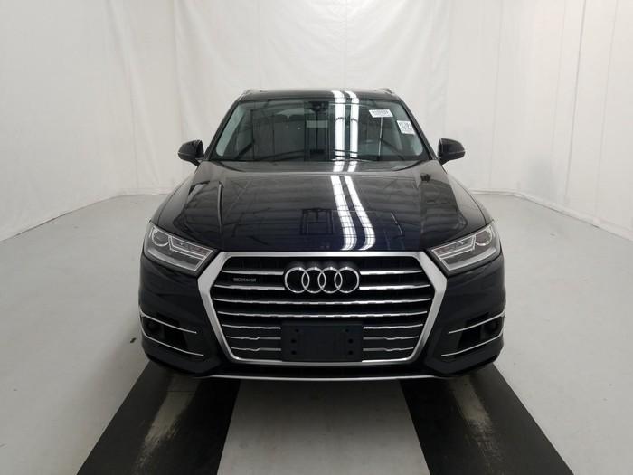 Audi Q7 2017. Photo 1