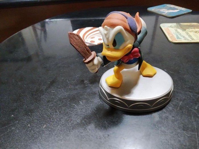 Junior Duck Statuette