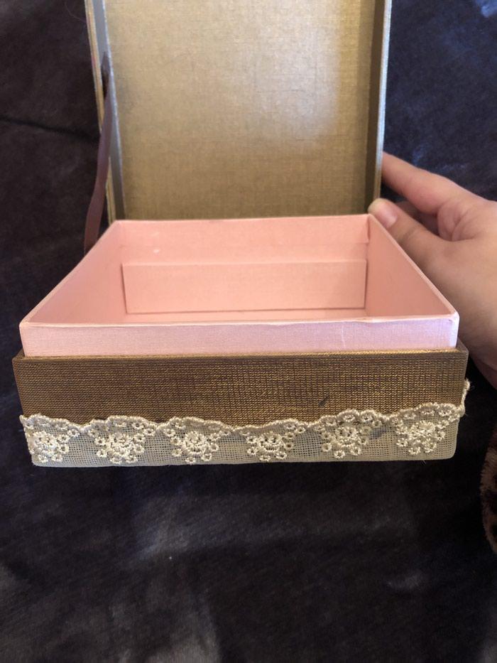 Υπεροχο κουτι για κοσμηματα με  δωρο 2 βραχιολια !!! Μονο 15€ . Photo 2