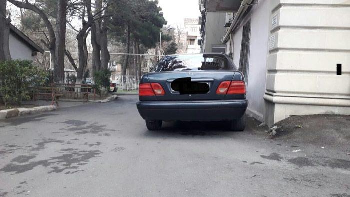 Mercedes-Benz 200 1996. Photo 0
