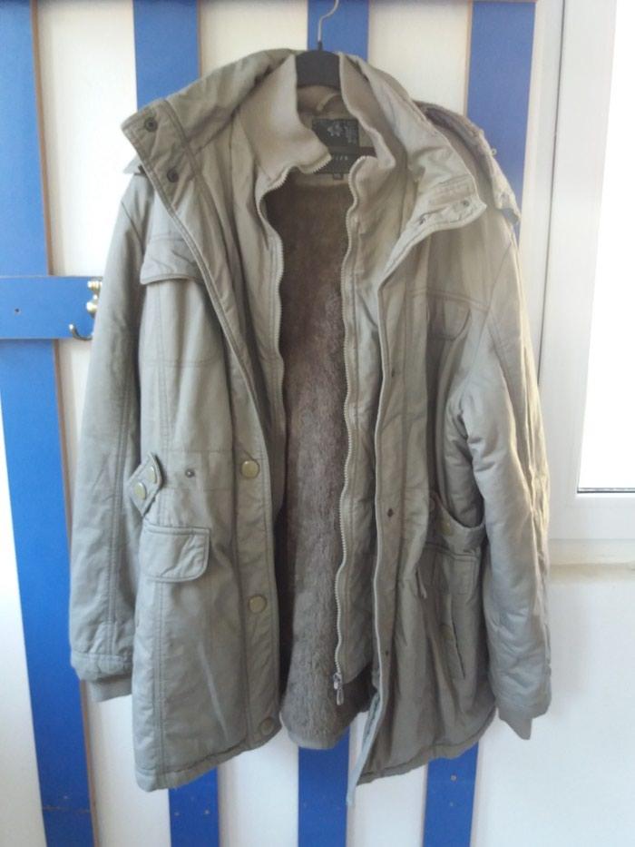 Zimska jakna 44br postavljena krznom. Photo 0