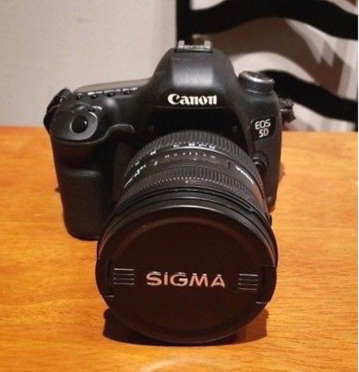 Canon EOS 5D Mark iii 12.8MP Digital SLR Camera - Black. Photo 0