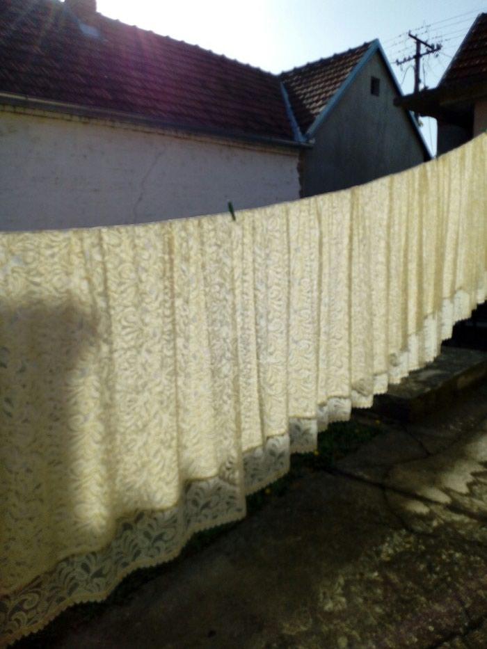 Dve zavese sa usivenom trakom(6,30x2,50)od zida do zida
