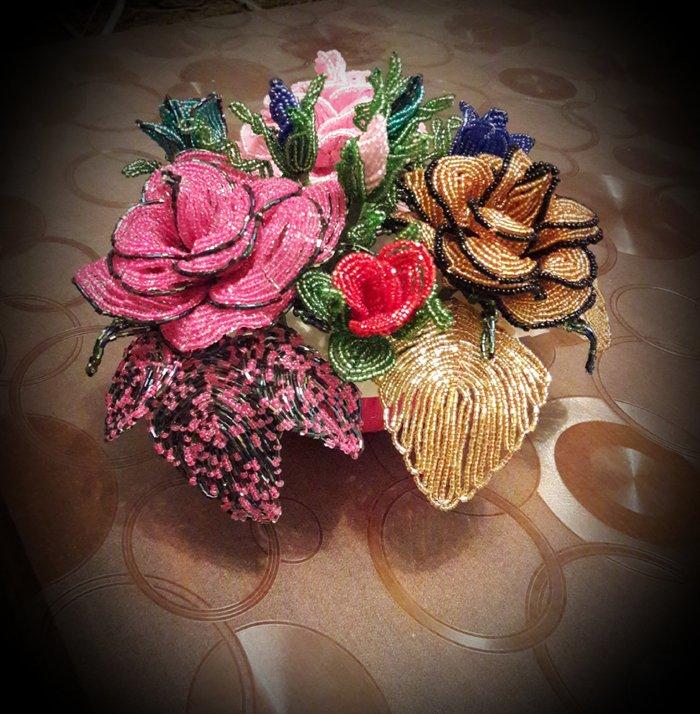 Tο μπουκέτο με τα τριαντάφυλλα (Νο