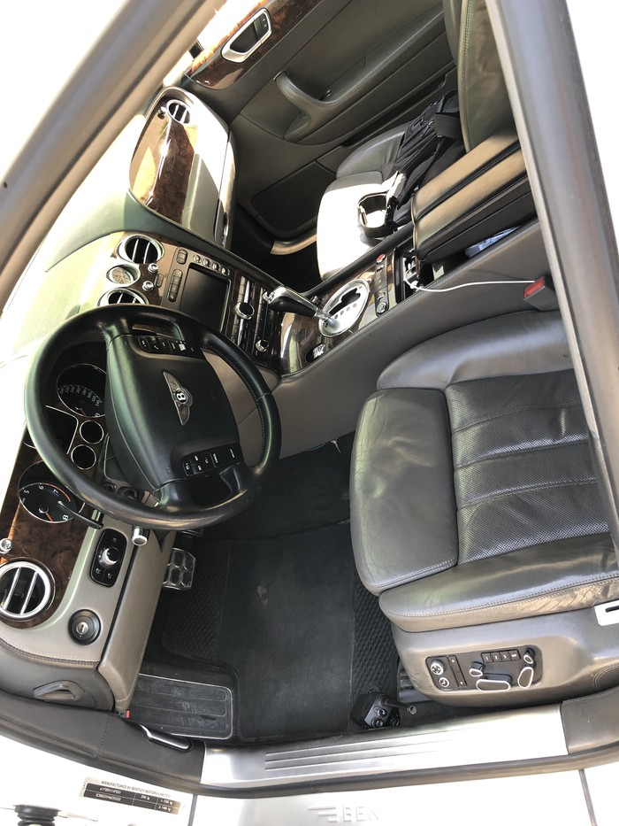 Bentley Continental Flying Spur 2006. Photo 5