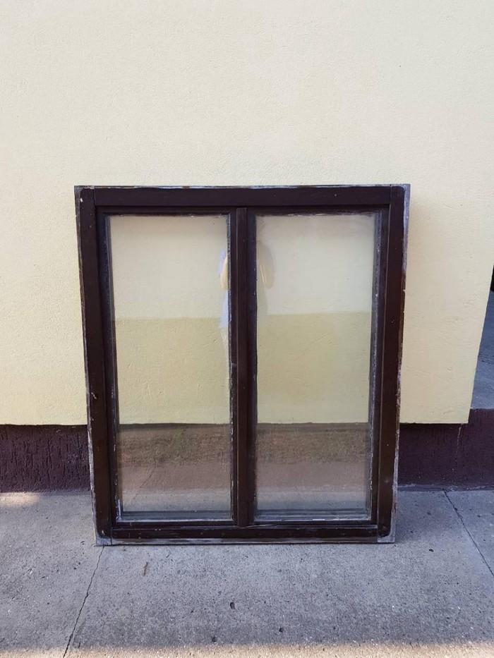 Pol.prozor sa duplim staklom dim 120x140 u odlicnom stanju,dvokrilni