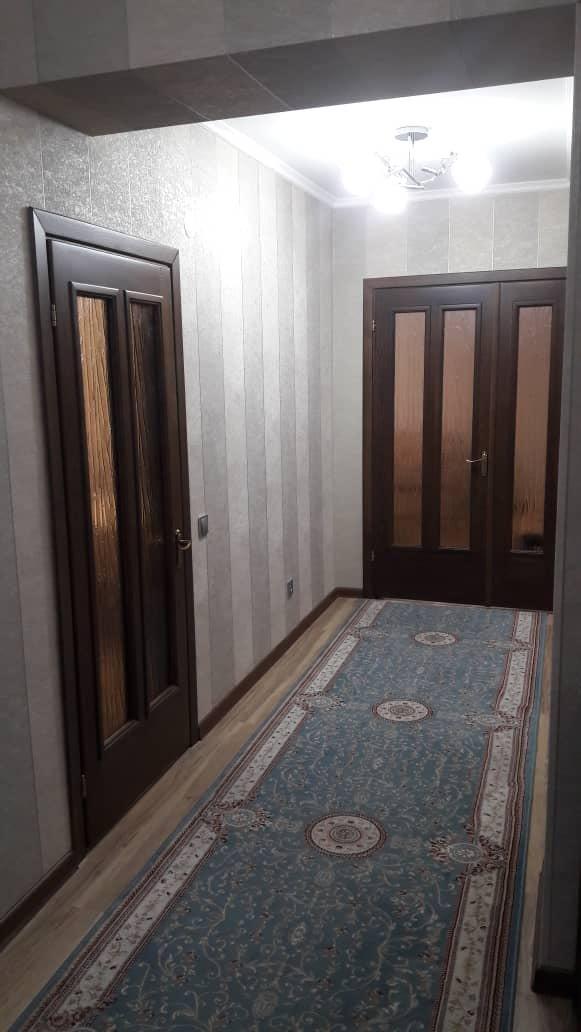 Продается квартира: 2 комнаты, 82 кв. м., Бишкек. Photo 1