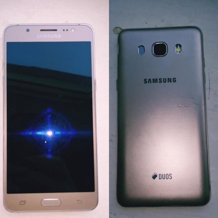 Samsung Galaxy J5. Photo 0