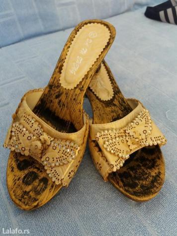 Prodajem papuce br. 38